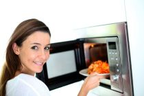 Cómo recalentar alimentos en el microondas