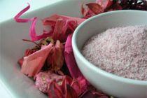 Cómo preparar azúcar con sabor a rosas