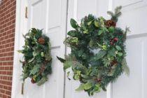 Cómo decorar las puertas en Navidad