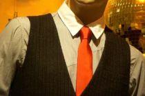 Cómo combinar una camisa con una corbata