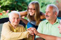 Cómo Mantener Ocupada a una Persona de la Tercera Edad