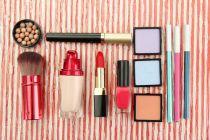 Cómo armar un porta-cosméticos para la cartera
