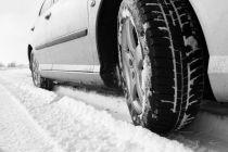 Qué hacer al detener el auto en la nieve