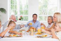 Cómo tener buenos modales en la mesa