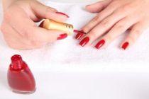 Cómo hacer una rutina de belleza para las uñas
