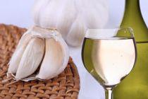 Cómo preparar vino de ajo