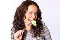 Alimentos para blanquear los dientes