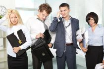Cómo tratar a un compañero de trabajo tóxico