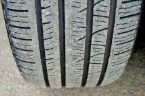 Cómo Revisar los Neumáticos del Coche