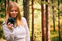 La mejor aplicación para retocar fotos con tu smartphone. App para mejorar las fotos en Android. Cómo usar EyeEm para retocar imágenes