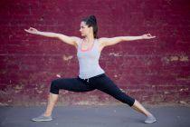 Cómo combatir las várices con yoga. Asanas de yoga para eliminar las várices. Cómo prevenir las várices y arañitas con yoga