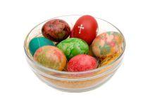 Cómo Teñir Huevos con Seda