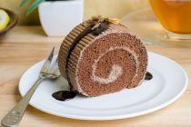 Cómo hacer rollos de chocolate. 2 recetas de rollo de chocolate estilo americano y suizo. Cómo hacer pionono de chocolate estilo suizo