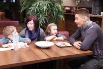 Cómo tratar a los hijos de tu nueva pareja