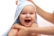Juegos para hacer con bebés recién nacidos. Cómo jugar con un bebé de 0 a 3 meses. Ideas para jugar con un bebé recién nacido