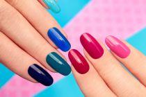 Guía para pintarse las uñas. Consejos para aprender a pintarse las uñas. Cómo pintar las uñas fácilmente.